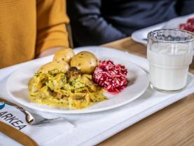 Eat my Turku Arkea Chipsters Seitä appelsiinikastikkeella